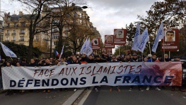 Pétition actes anti Français