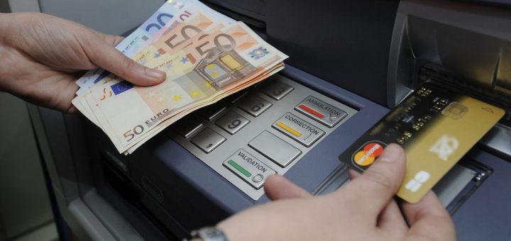 ALERTE ARNAQUE : Attention aux escrocs qui usent désormais des nouvelles technologies pour pirater les distributeurs automatique de billets !