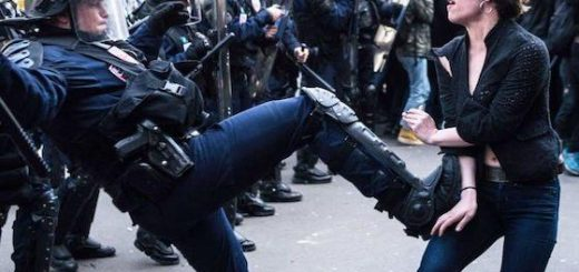 De plus en plus de Français ne font plus du tout confiance à la police !