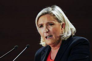 COVID-19 : « Tout a été fait très tardivement », dénonce Marine Le Pen !