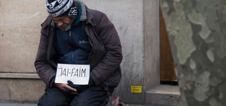 HONTEUX : Quand les grandes villes de France installent des mobiliers urbains anti SDF !