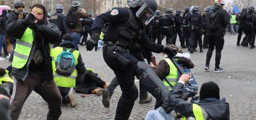 (VIDÉO CENSURÉE SUR FACEBOOK) - Avec le Gouvernement Macron c'est : « Abus de pouvoir, violences policières, dictature... » Et vous avez peur de Marine Le Pen ?