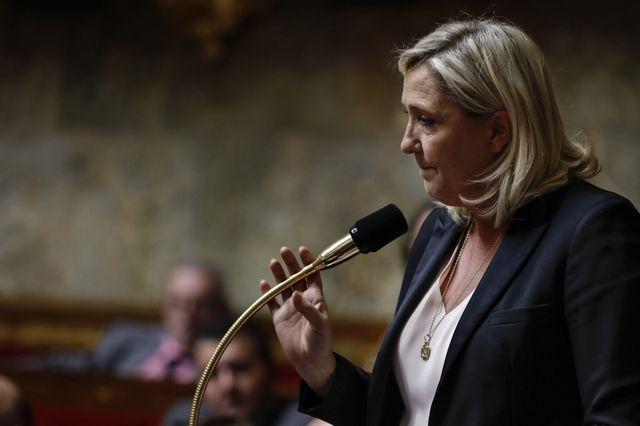 COVID-19 : COUP DE GUEULE DE MARINE LE PEN À L'ASSEMBLÉE NATIONALE !