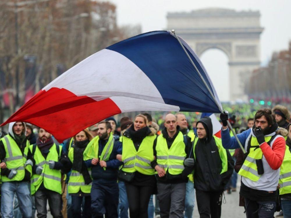 Le Gouvernement Macron appréhende le retour des Gilets Jaunes après le confinement !