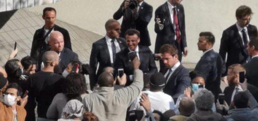 (VIDÉO) – COVID-19 : Macron s'est offert un bain de foule sans masque de protection dans le 93… Des images qui révoltent les médecins !