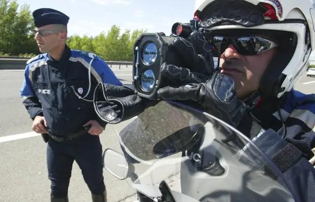 Une prime exceptionnelle est versée aux policiers qui verbalisent le plus !