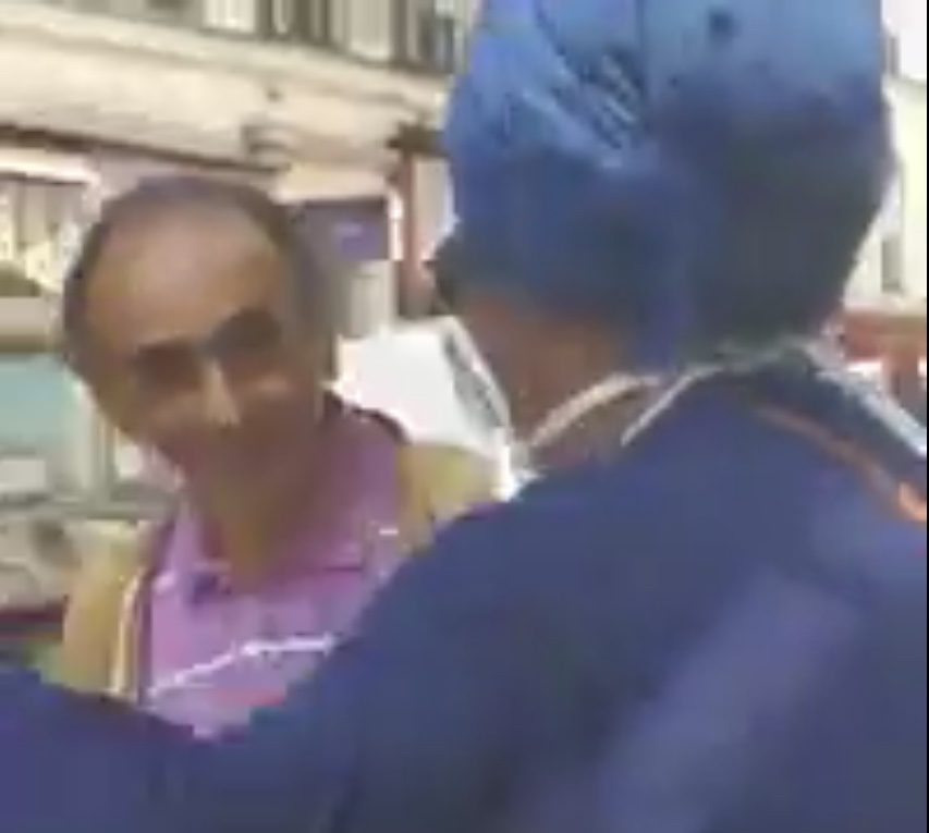 Eric Zemmour apostrophé par une femme voilée aux cris de : « Vive l'Islam », « Vive Allah », « Vive Mohamed »