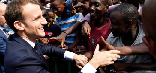 Les migrants sont les nouveaux électeurs d'Emmanuel Macron pour s'assurer de gagner les prochaines élections Présidentielles de 2022 !