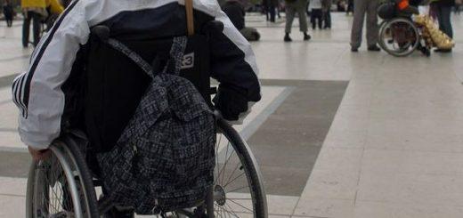 Françoise, 60 ans, en fauteuil roulant, atteinte d'un cancer et SDF : « Je n'en peux plus ! »