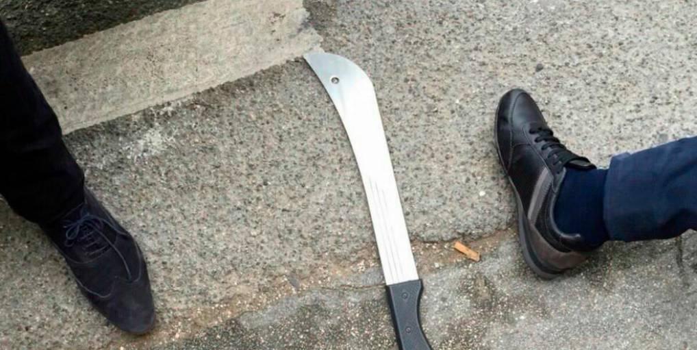 Petit-Quevilly (76) : Un migrant Algérien fait une entaille de 15 cm sur le crâne de sa victime avec une machette !