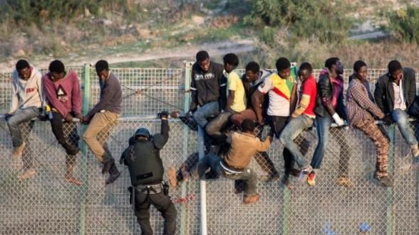 (VIDÉO) – Voici comment font les migrants pour envahir l'Europe !