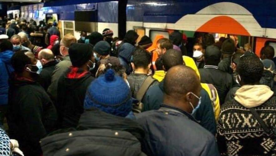 (VIDÉO) – Déconfinement : Le métro parisien est bondé de monde en ce 11 mai 2020 !