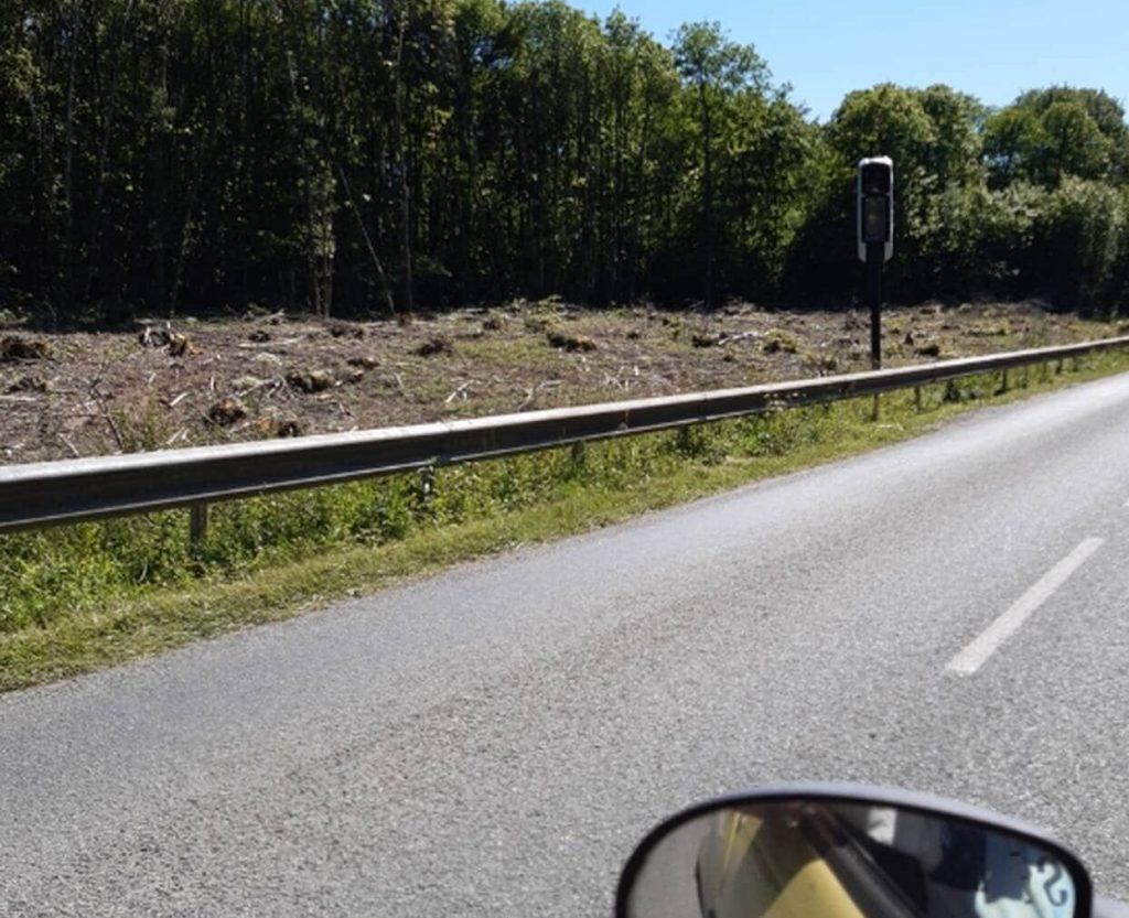 En Mayenne, l'indignation monte après l'abattage d'arbres autour d'un radar tourelle !