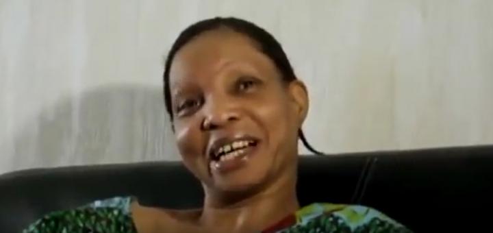 Après avoir touché ses allocations familiales, cette migrante préfère flamber avec l'argent au lieu de payer son loyer !