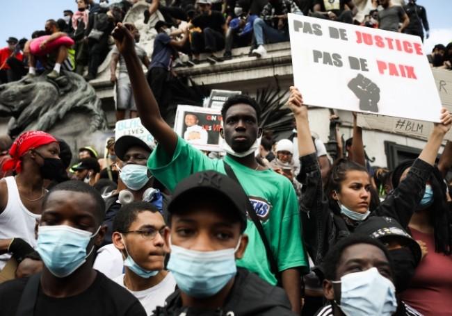 Le racisme anti-blanc est une réalité pour près d'un Français sur deux !