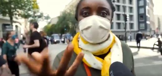 Une femme noire affirme que les blancs seront un jour à genoux devant les noirs en train de les supplier…