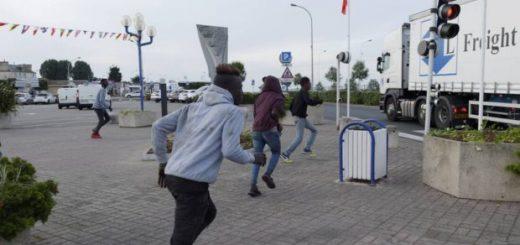 Ouistreham (14) : les gendarmes attaqués par une vingtaine de migrants, qui leur ont « sauté » dessus, deux militaires blessés