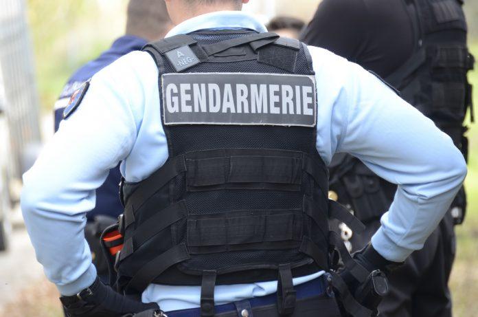 Des cambrioleurs font condamner un homme de 76 ans pour « mise en danger de la vie d'autrui » parce qu'il avait piégé sa maison avec des explosifs !
