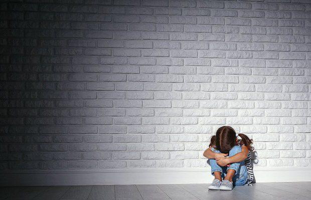 Un migrant en situation irrégulière condamné pour une agression sexuelle sur une fillette, il n'ira pas en prison, il ne sera pas expulsé !