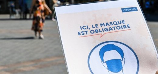 Les habitants de Mayenne se sont vus distribuer par l'Etat des masques en provenance du Vietnam, laissant de côté les industriels Français !